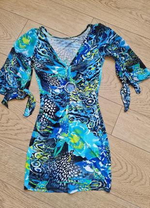 Шикарное дорогое платье с камнями сваровски