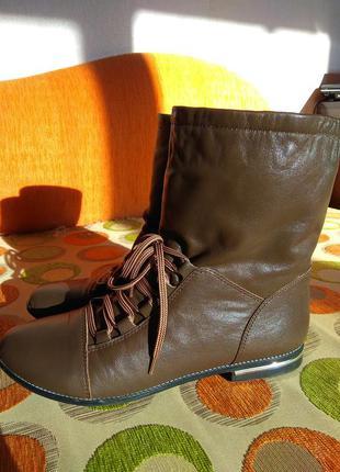 Ботинки кожанные на шнуровке