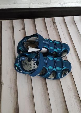 Шкіряні сандалики
