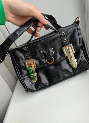 Стильная сумочка через плечо