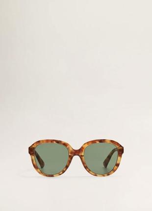 Тренд сезона! солнцезащитные очки в крупной роговой оправе от mango