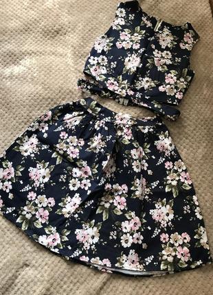 Летний костюм с цветочным принтом (юбка + топ)