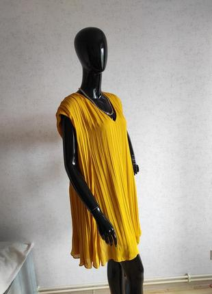 Стильное свободное платье желтое