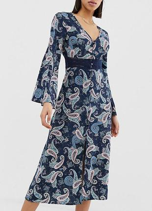 Распродажа платье prettylittlething миди с ажурной вставкой с asos