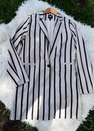 Нарядный удлинённый пиджак