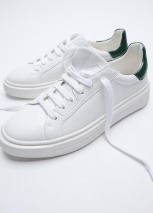 Zara білі базові кросівки (унісекс)