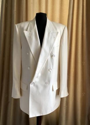 Безумно красивый блейзер пиджак шёлк boss