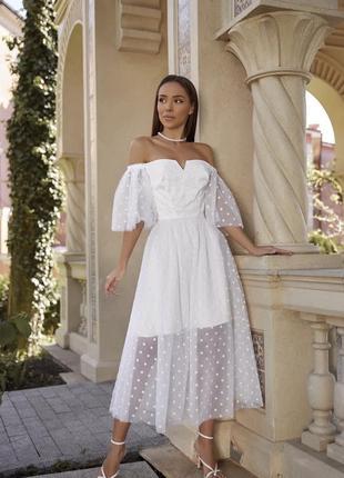 Воздушное белое платье в горох