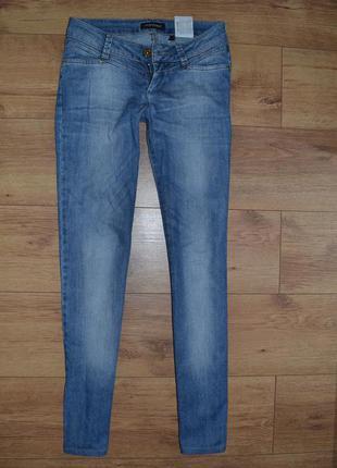 Оригинальные джинсы armani новые