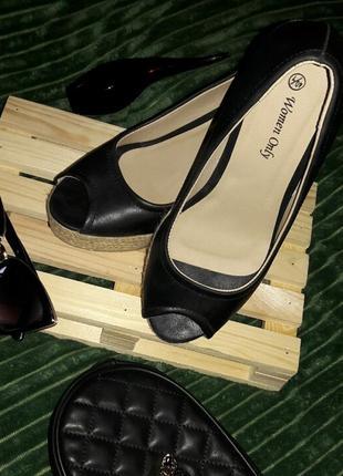 Туфлі на танкетці 🔥🔥🔥 чорні. розмір 40/7 - 25см.