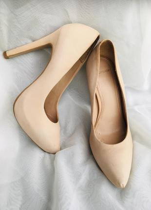 Туфли кожаные 37 р. нюдовые пудровые