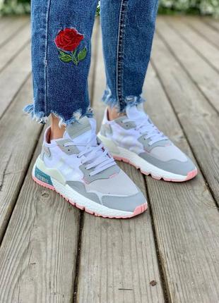 Кроссовки adidas nite jogger one 'light grey pink'
