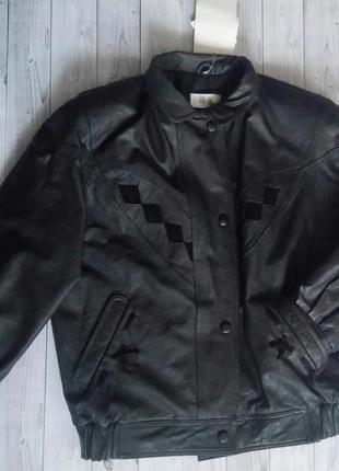 Кожаная курточка в стиле 80-х