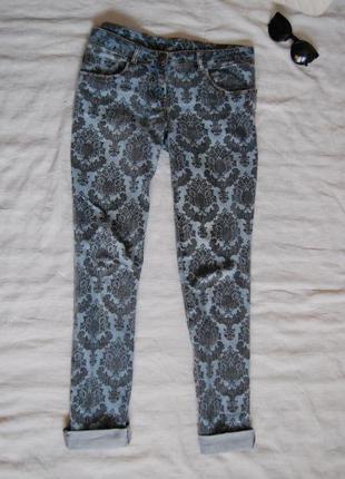 Крутые джинсы в принт размер м