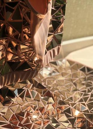 Костюм танцевальный новый бежево-золотой зеркальный