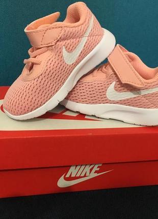 Нові кросівки на дівчинку розмір 21