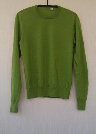 Свитер красивого зеленого травяного цвета шерсть 100%
