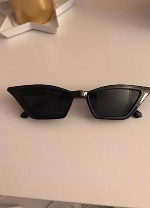 Трендовые солнцезащитные очки кошачий глаз fox eye cat eye узкие ретро тренд