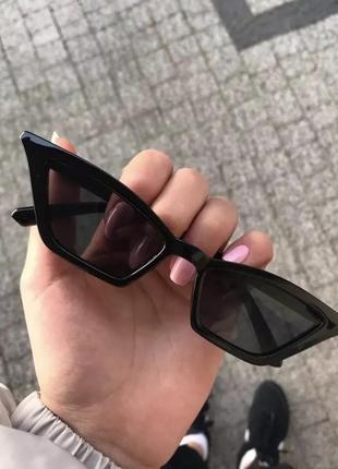 Трендовые солнцезащитные очки кошачий глаз fox eye cat eye узкие ретро тренд10 фото