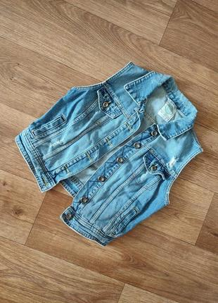 Жилетка джинсовая bershka