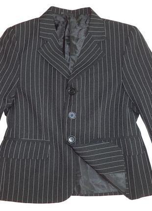 Шикарный итальянский пиджак на 6 лет