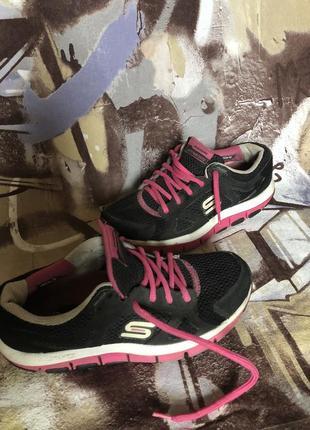 Кроссовки для фитнеса skechers