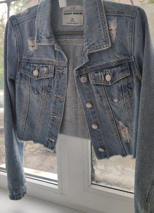 Стильная укороченная джинсовка