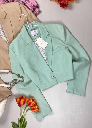 Фисташковый укороченный пиджак