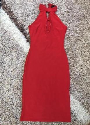 Стильное платье в обтяжку по фигуре скидки недорого модное