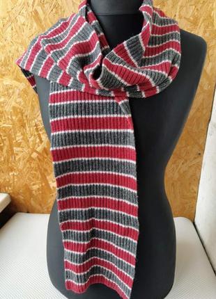 Шарф полосатый красно серый вязанный