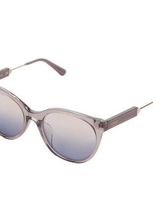 Солнцезащитные брендовые очки guess
