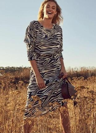 Платье миди в дизайне зебры  tchibo 38 евро
