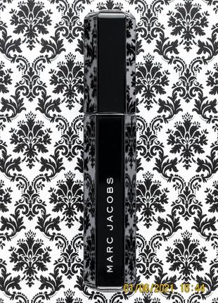 Полноразмерная тушь для объема ресниц marc jacobs velvet noir major volume mascara 9 г