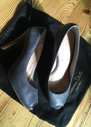 Кожаные туфли на высоком устойчивом каблуке massimo dutti