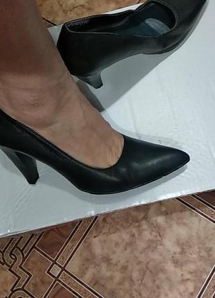 Женские кожанные туфли классика,размер 48,на узкую ножку