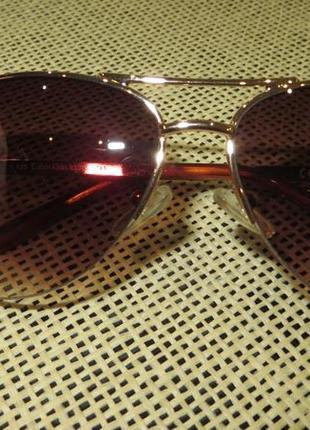 Женские солнцезащитные очки calvin klein