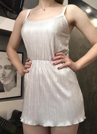 Легкнька міні-сукня