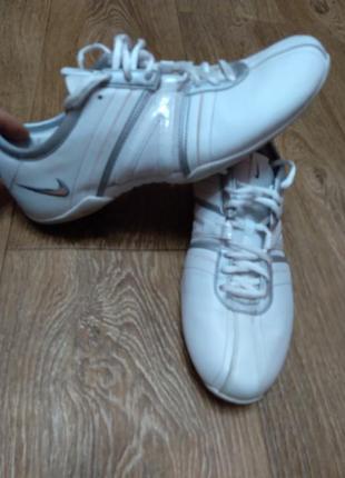 Nike кроссовки 40