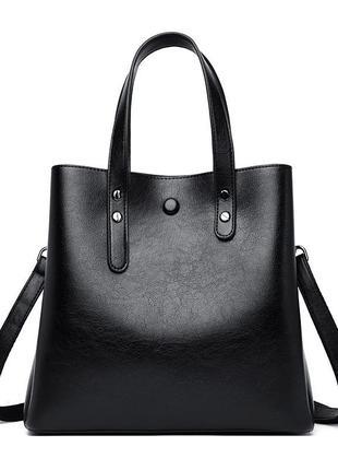 Чёрная большая кожаная сумка