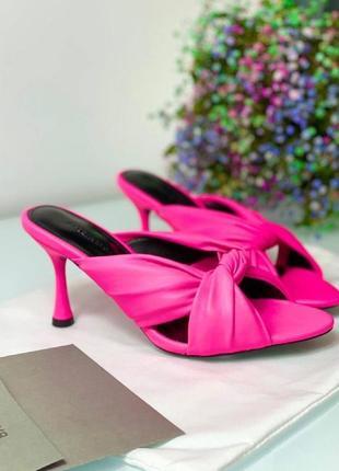 Розовые шлепанци на каблуке рожеві білі белые бренд