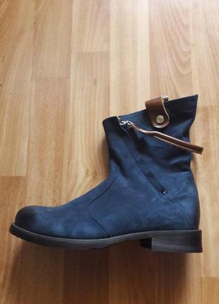 Очень удобные осенние ботиночки (цвет индиго) размеры 37,39