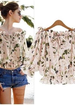 Блузка свободного кроя с объёмными рукавами в цветочный принт