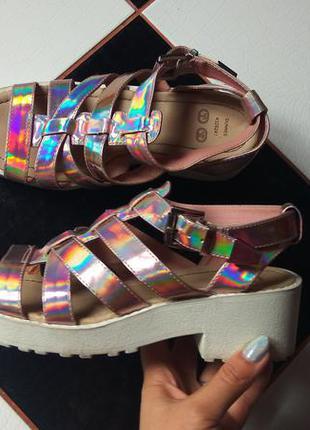 Крутейшие, стильные сандалии / босоножки. супер цена!