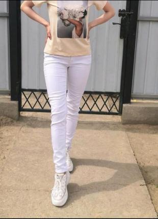 Белые джинсы. низкая посадка