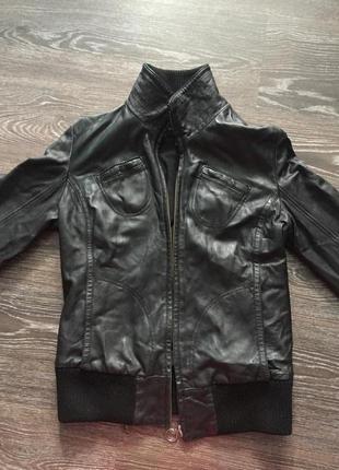 Кожаная куртка mango натуральная кожа