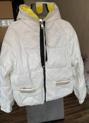 Куртка молочного цвета