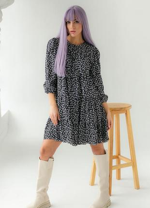 Свободное платье с растительным принтом