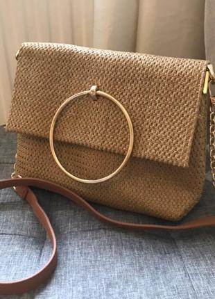 Трендовая сумочка new look
