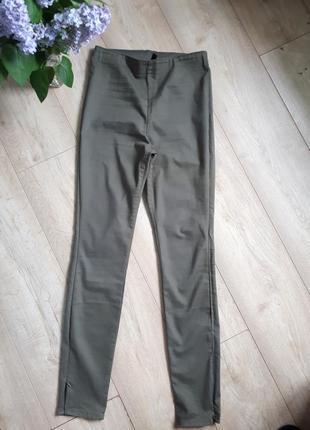 Скинни джинси легинси