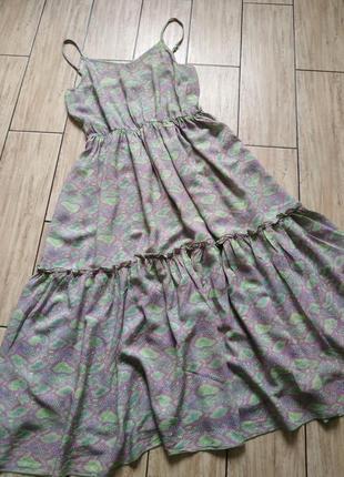 Трендовое платье на тонких брителях сарафан свободного кроя